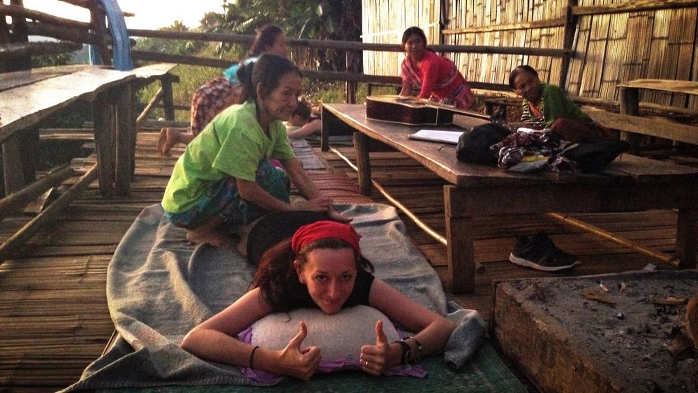 Massage lors d'un trek en Thaïlande