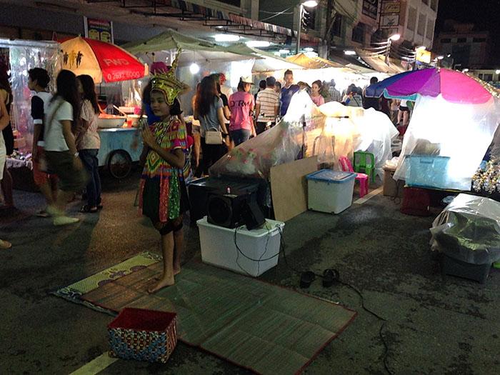 Marché de nuit de Krabi, Thaïlande