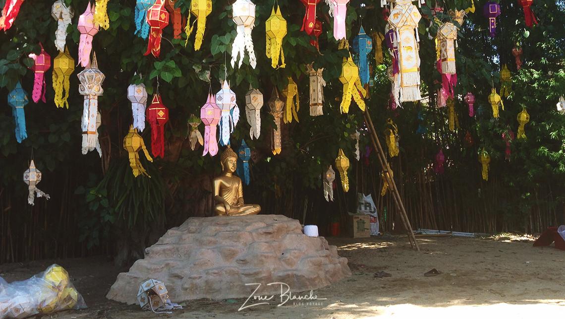 Préparatifs de Loy Krathong