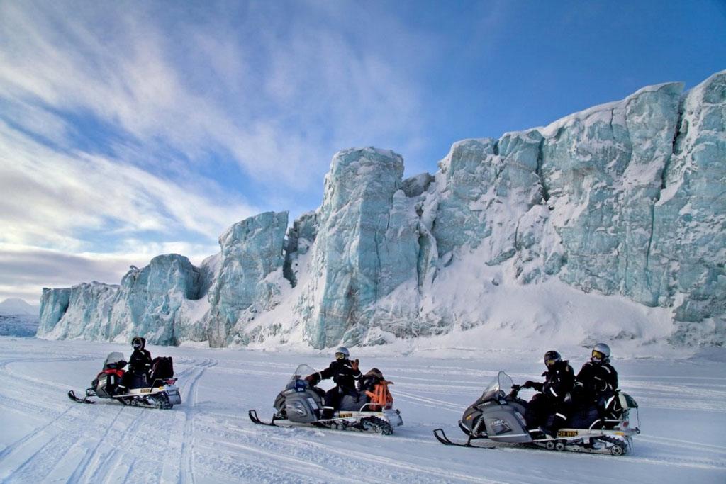 La motoneige, un incontournable pour se déplacer. © Marcela Cardenas / Nordnorge.com