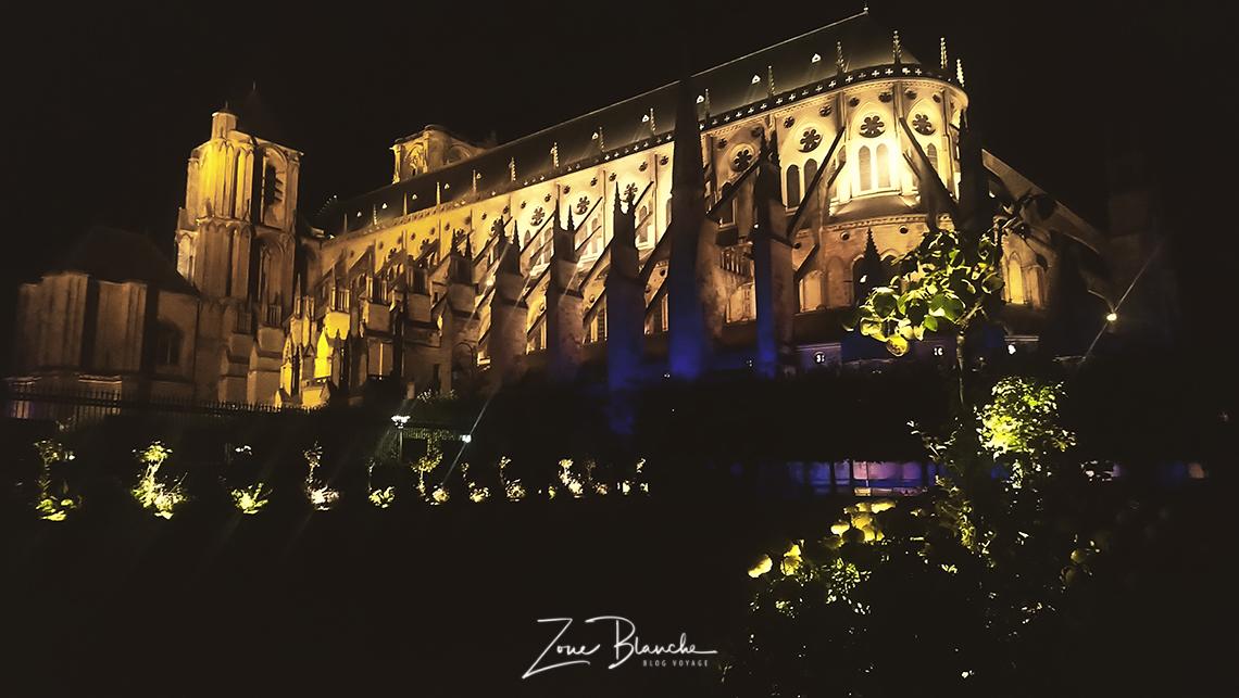 Cathédrale pendant les Nuits lumières de Bourges