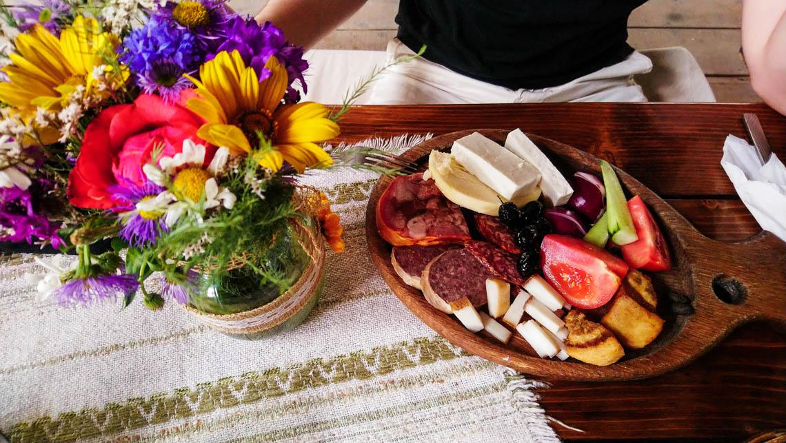 Repas rustique Roumanie