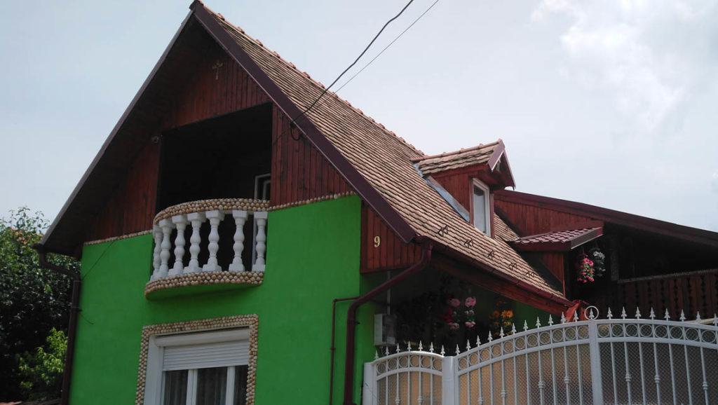 """La """"maison verte aux coquillages"""""""